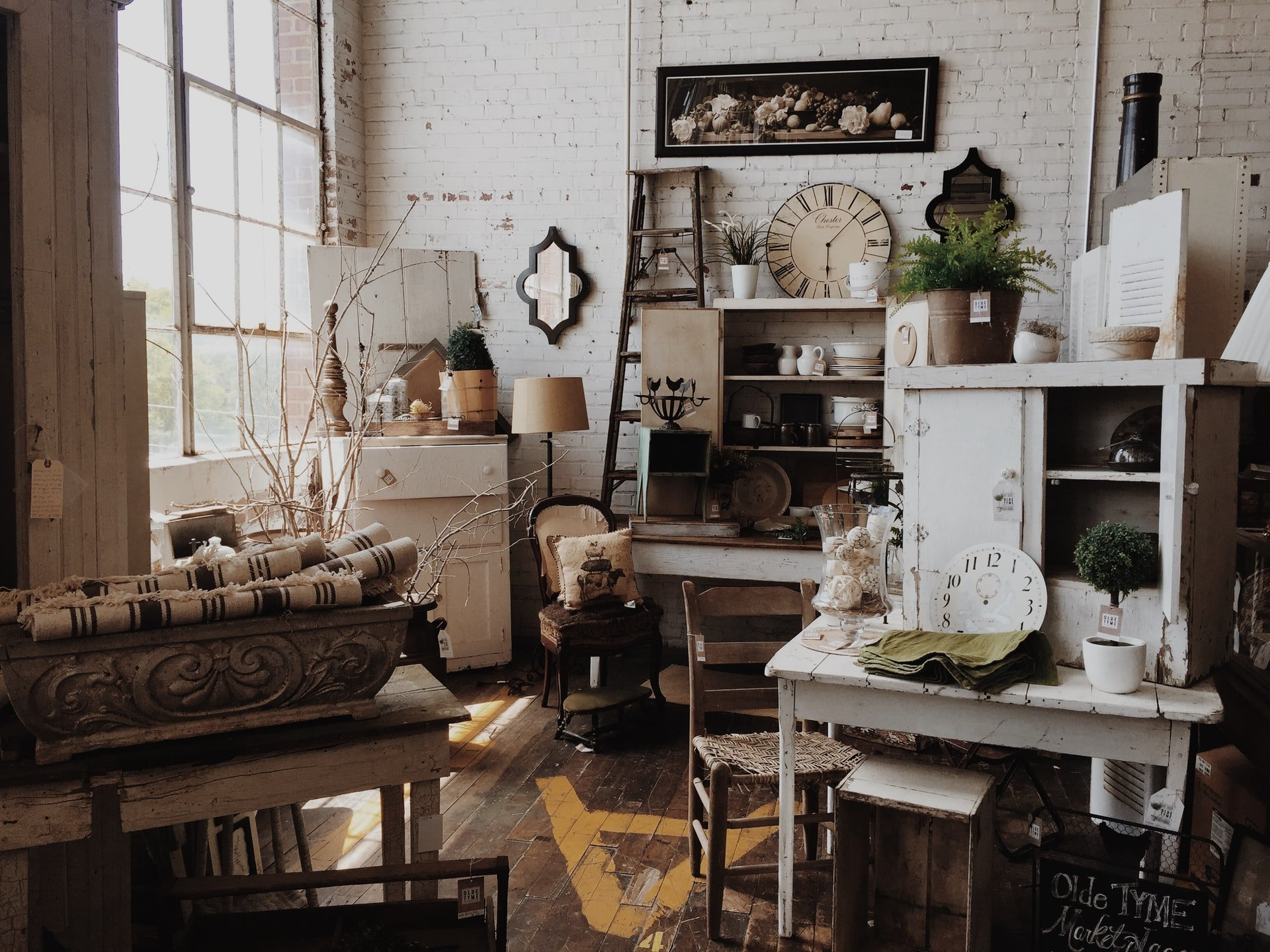 Estate sales can turn vintage, retro, collectible or simply older items and furniture into cash.